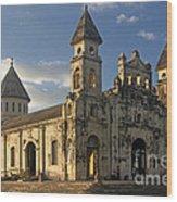 Iglesia De Guadelupe In Granada Nicaragua Wood Print