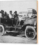 Inuits In Car, C1906 Wood Print