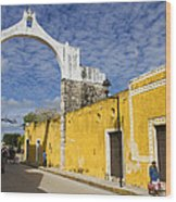 Izamal And It's Famous Arch Wood Print
