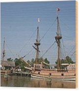 Jamestown Historic Sailingships Wood Print