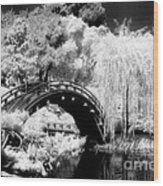 Japanese Gardens And Bridge Wood Print