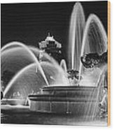 J.c. Nichols Memorial Fountain - Night Bw Wood Print