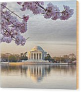 Jefferson Memorial In The Early Morning Wood Print
