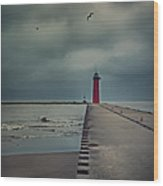Kenosha North Pier Lighthouse - Dark And Stormy Wood Print