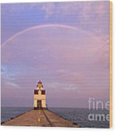 Kewaunee Pierhead Lighthouse And Rainbow - D002811 Wood Print