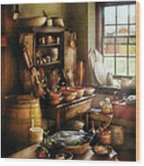 Kitchen - Nothing Like Home Cooking Wood Print