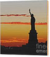 Lady Liberty At Sunset Wood Print
