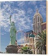 Lady Liberty In Vegas Wood Print