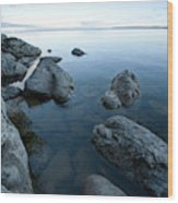Landscape Of Rocks Along Shoreline Wood Print