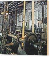 Large Lathe In Machine Shop Wood Print