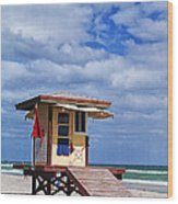 Lifeguard Station In Hollywood Florida Wood Print by Terry Rowe