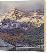 Light On Maroon Bells Wood Print