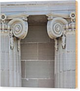 Lincoln County Courthouse Columns Wood Print
