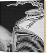 Lincoln Hood Ornament - Grille Emblem -1187bw Wood Print