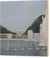 Lincoln Memorial And Fountain - Washington Dc Wood Print