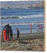 Linda Mar Beach Families Wood Print