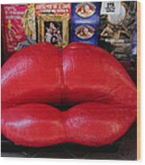 Lips Couch Wood Print