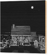 Log Cabin Scene Near The Ocean At Midnight In Black And White Wood Print by Leslie Crotty