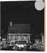 Log Cabin Scene  With The Old Vintage Classic 1913 Buick Model 25 In Black And White Wood Print