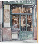 London bar-Barcelona Wood Print