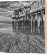 Low Tide At Orchard Beach Black And White Wood Print by Jerry Fornarotto