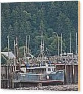 Low Tide Fishing Boat Wood Print