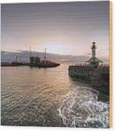 Lowestoft Harbour At Dawn Wood Print