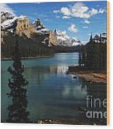 Maligne Lake Beauty Of The Canadian Rocky Mountains Wood Print