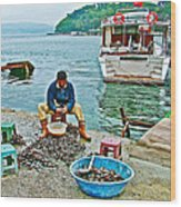 Man Selling Fresh Mussels On The Bosporus In Istanbul-turkey  Wood Print