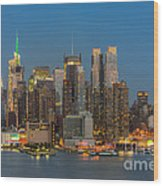 Manhattan Twilight IIi Wood Print by Clarence Holmes