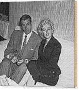 Marilyn Monroe And Joe Dimaggio Wood Print