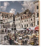 Market Day In The White City Wood Print