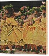 Merrie Monarch Hula Dancers In Yellow Dresses Wood Print