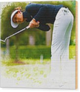 Michelle Wie  Putt On The Tenth Green Wood Print