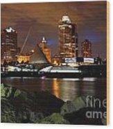 Milwaukee Skyline At Dusk Wood Print