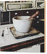 Mortar And Pestle In Apothecary Wood Print