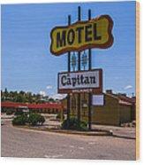 Motel Capitan Wood Print