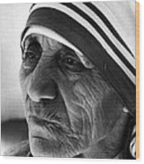Mother Teresa Close Up Wood Print by Retro Images Archive