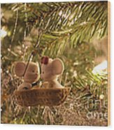 Mousie Love In A Tree Wood Print