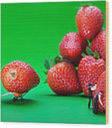 Moving Strawberries To Depict Friction Food Physics Wood Print