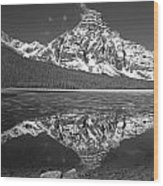 1m3641-bw-mt. Chephren Reflect  Wood Print