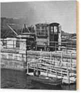 Niagara Port Wood Print