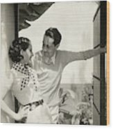 Norma Shearer And Irving Thalberg In A Garden Wood Print