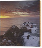 Nugget Point Lighthouse At Sunrise Wood Print