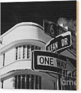 Ocean Drive And 6th Street In The Art Deco District Of Miami South Beach Florida Usa Wood Print by Joe Fox