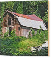 Old Barn Near Chimney Rock Wood Print