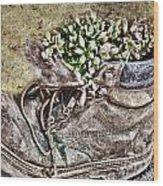 Old Boot Flowerpot Wood Print