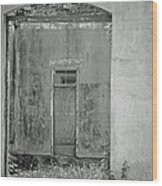 Old Doorway Bw Wood Print