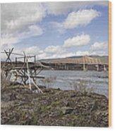 Old Fishing Platform By The Dalles Bridge Wood Print