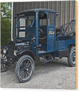Old Ford Wrecker  Wood Print